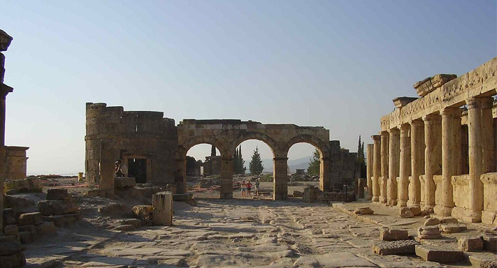 Pamukkale Salda Gölü Turu Travertenler Hierapolis Antik Kenti
